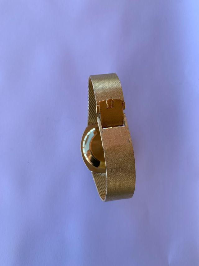 Reloj de oro omega