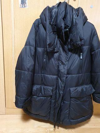 Abrigo negro Zara L