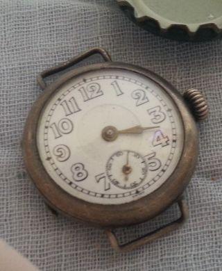 Reloj de pulsera antiguo de señora.