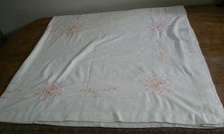 Mantel bordado de hilo. 174 cm * 174 cm.