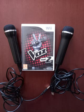 Juego wii + 2 microfonos.