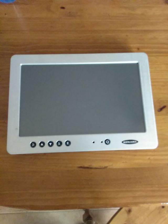 """Monitor LCD 10"""" Xenarc 1020TSV"""