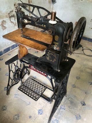 Máquina de coser Singer de Zapatero
