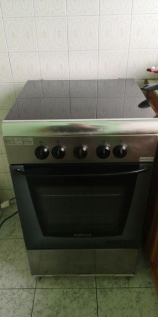 Nevera lavadora y cocina
