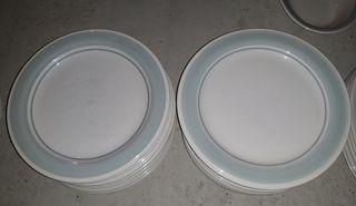 26 platos llanos grandes de cerámica