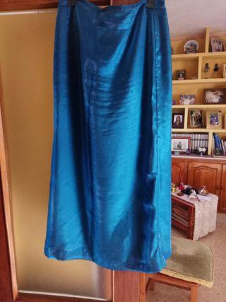 falda azul con corcel