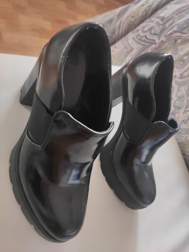 Zapatos negro tacón