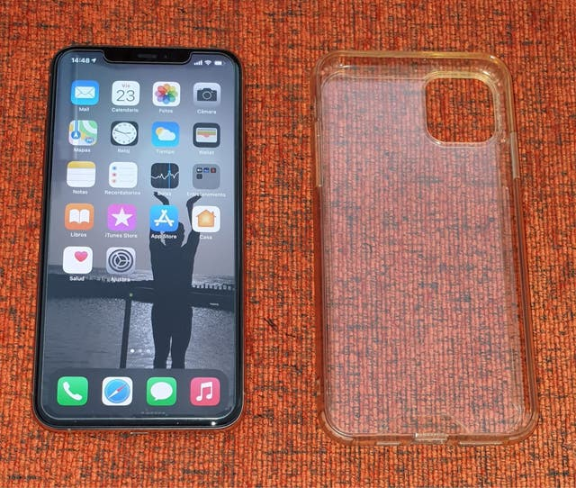 IPhone 11 Pro Max y Apple Watch serie 4