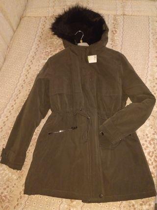 abrigo verde sin estrenar