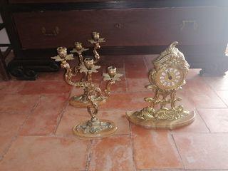 candelabros y reloj