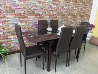 Mesa de extensible nueva con 6 sillas
