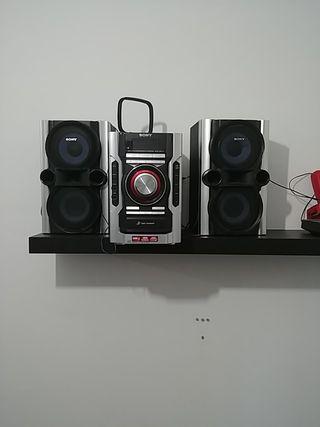 mini cadena Sony cd cassette y radio