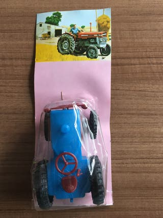 Tractor de juguete vintage