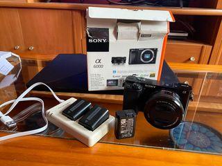 Camara Sony a6000 + objetivo 16-50mm + extras