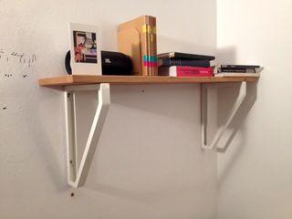 Estantería de madera Ikea para pared