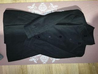 abrigo negro zara