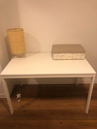 Mesa extensible IKEA blanca VANGSTA