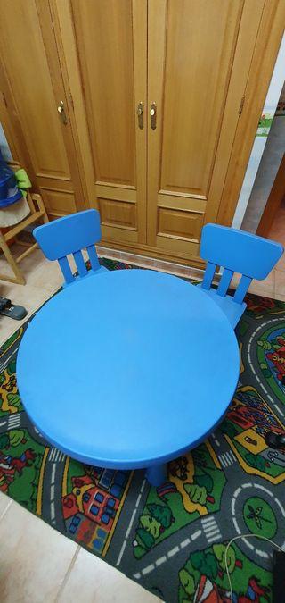 Mesa y sillas niñ@as IKEA.