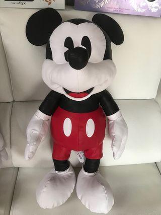 Mickey Mouse tamaño grande