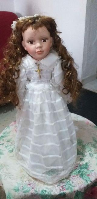 Muñeca de porcelana de la primera comunion antigua
