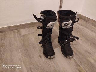 botas nuevas numero41