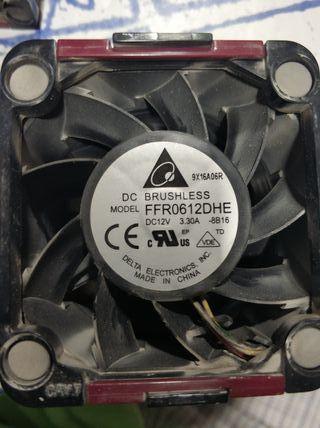 Memoria RAM y ventiladores.
