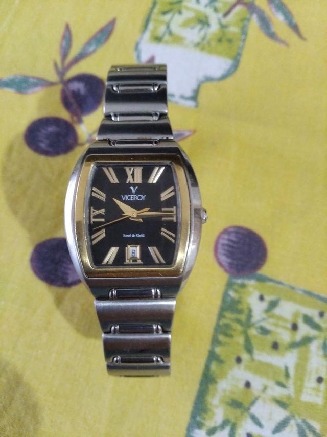vendo reloj de mujer casi sin uso