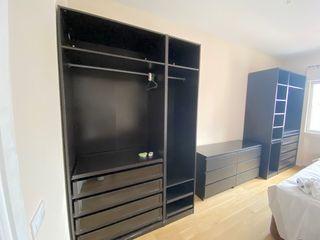 Set de armarios Pax, negros, equipados