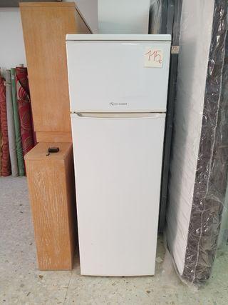 Congelador CROLLS y combi SCHNEIDER