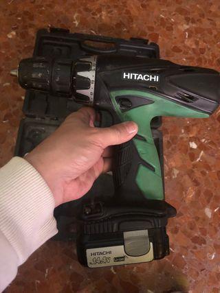 Hitachi 14.4v, 2 baterías 1.5Ah, modelo: DV 14DCL2