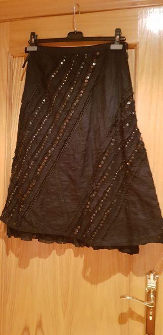 Falda negra con lentejuelaa