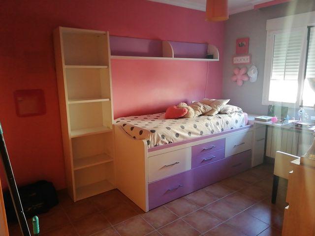 habitaciones juvenil en un estado muy bueno