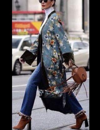 kimono estampado con terciopelo