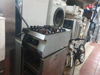 cocina industrial sobre mesa 2 fugos