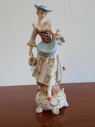 Figura porcelana antigua