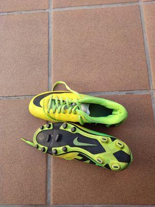 botas tacos futbol Nike