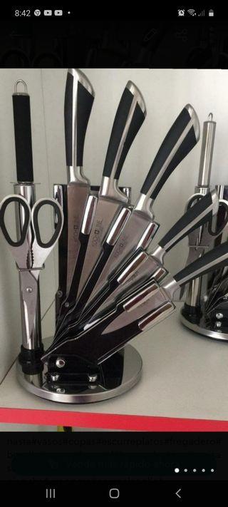Set cuchillos con base giratoria