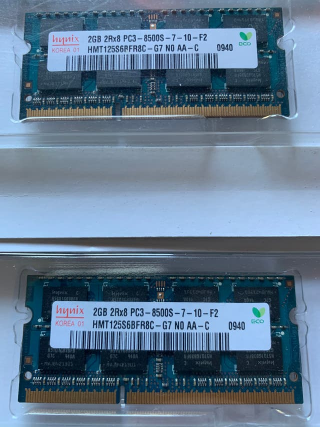 2 memorias para Mac (2GB SO-DIMM DDR3 1066MHZ)