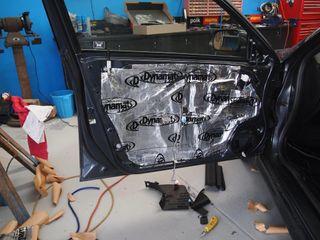 insonorizar puertas maletero car audio