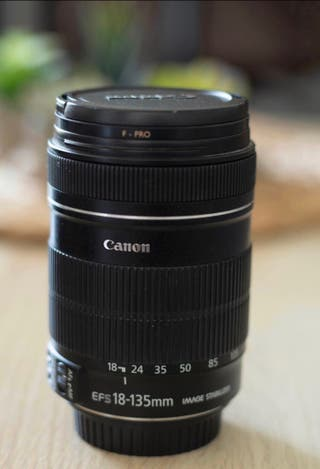 Objetivo 18-135mm Canon EFS f/3.5-5.6