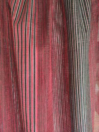 Cortinas / Visillos rojo negro metalizado