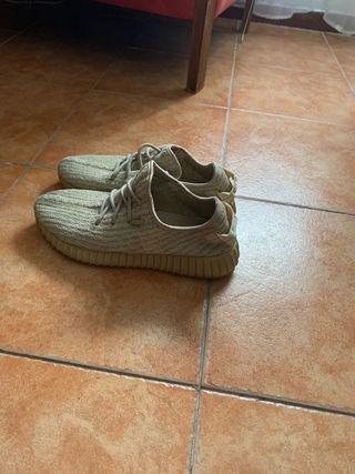 Adidas yeezy 42