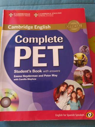 Libro título Cambridge inglés.