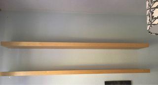 Estanterías de madera (de Ikea)