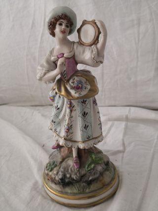 2 Figuras porcelana alemana, del XIX o XX, 21 cm