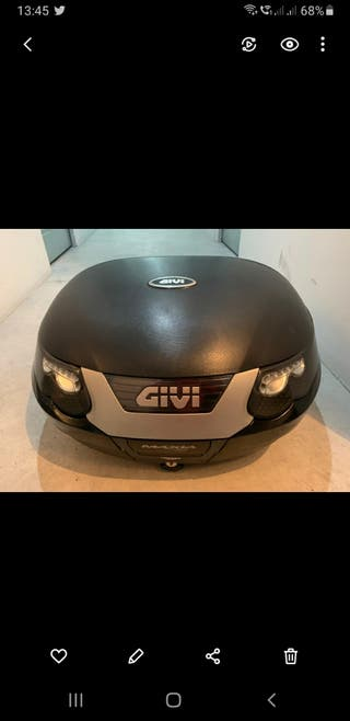 Baul GIVI y Herrajes BMW F650GS del 2007