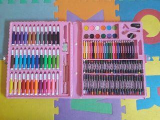 Estuche con lápices de colores