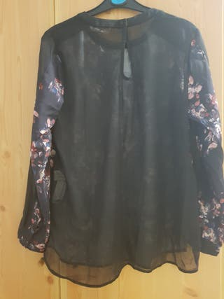 Blusa estampado, espalda transparente