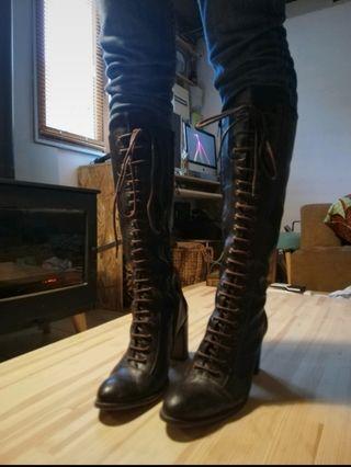 botas de cuero tacón alto marrón