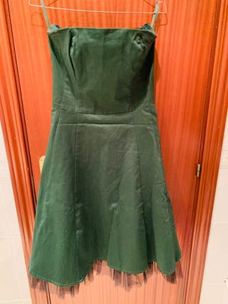 Vestido verde palabra de honor tul negro